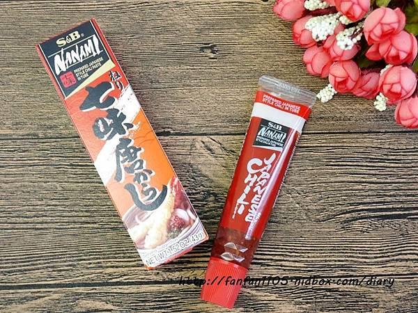 S&B 七味辣椒醬 柚子胡椒醬 讓食物有不一樣的新風味 (3).JPG