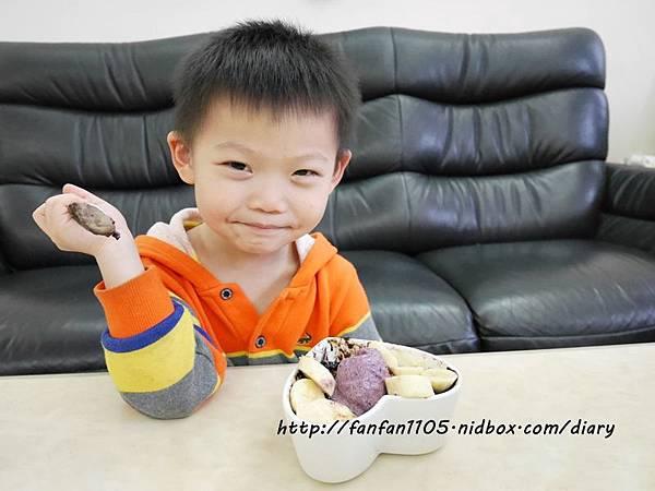 【Frigidaire 富及第】20L 美型微波爐 輕鬆製作情人節甜點 微波爐甜點食譜分享 (18).JPG