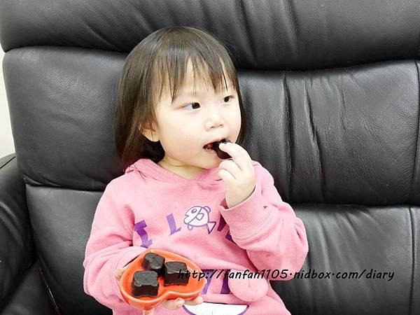 【Frigidaire 富及第】20L 美型微波爐 輕鬆製作情人節甜點 微波爐甜點食譜分享 (30).JPG