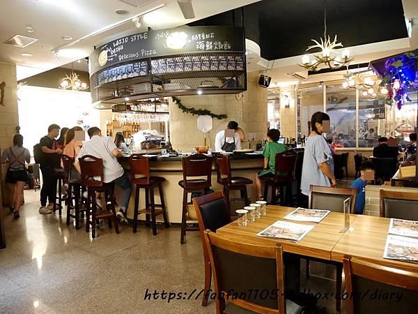【蘆洲美食】石窯屋 #義式料理 #窯烤披薩 #披薩 #半月烤餅 #義大利燉飯 #義大利麵 (1).JPG