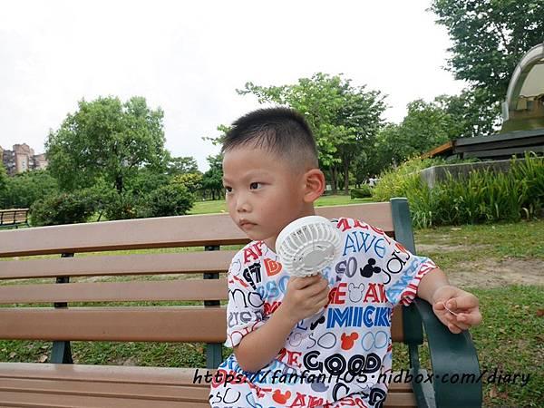 【Avantree】三段變速充電式兩用迷你小風扇(FAN01) #USB充電 #Avantree #三段風速 #露營 #野餐 (12).JPG