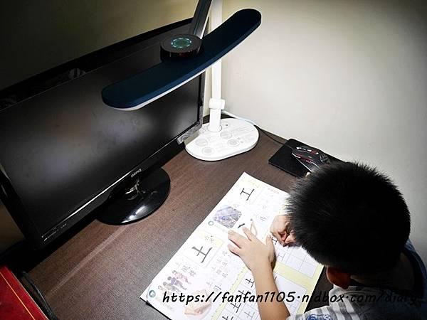 【BenQ】WiT MindDuo 親子共讀檯燈 #智慧檯燈 #護眼 #檯燈推薦 (12).JPG