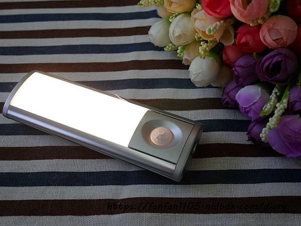 【玩樂盒子】人體光控雙感應燈三合一 #感應燈 #感應燈推薦 #LED燈 #磁吸式 (11).JPG