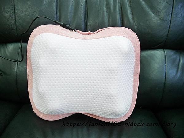 【Lourdes】日式溫熱揉捏薄型按摩抱枕 #Lourdes #ATEX #按摩抱枕 #按摩舒壓 #溫熱眼罩 #按摩沙發 (11).JPG