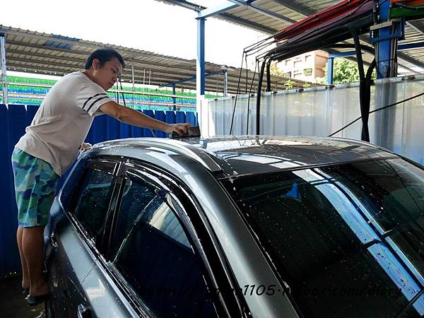 【SONAX】德國汽車美容保養品 洗車保養的好幫手 #光滑洗車精 #超發水鍍膜 #真皮活化乳 (18).JPG