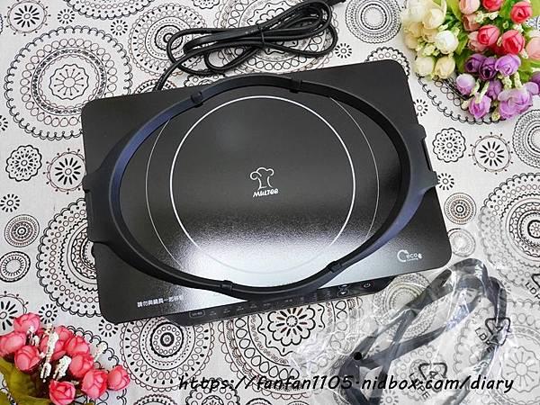 【摩堤MULTEE】A4 PLUS 1200 IH智慧電磁爐 只有A4大小體積輕巧方便攜帶 居家外出的好幫手 #IH電磁爐 #鑄鐵鍋料理 (9).JPG