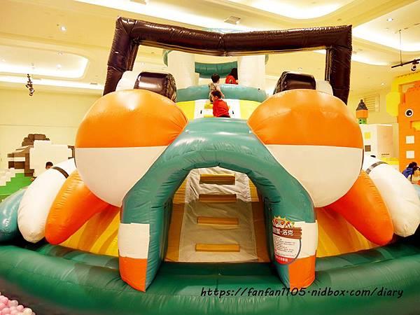 【新光南西】建築樂園-悠遊島 動物狂季 #室內親子樂園 #氣墊 #親子 #積木 (5).JPG