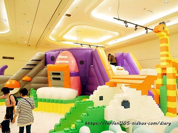 【新光南西】建築樂園-悠遊島 動物狂季 #室內親子樂園 #氣墊 #親子 #積木 (9).JPG