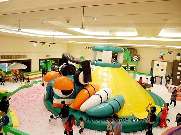 【新光南西】建築樂園-悠遊島 動物狂季 #室內親子樂園 #氣墊 #親子 #積木 (23).JPG