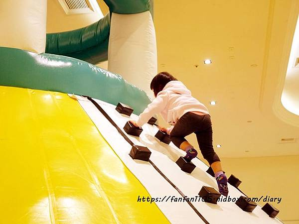 【新光南西】建築樂園-悠遊島 動物狂季 #室內親子樂園 #氣墊 #親子 #積木 (26).JPG