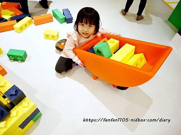 【新光南西】建築樂園-悠遊島 動物狂季 #室內親子樂園 #氣墊 #親子 #積木 (40).JPG