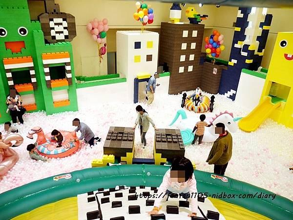 【新光南西】建築樂園-悠遊島 動物狂季 #室內親子樂園 #氣墊 #親子 #積木 (38).JPG