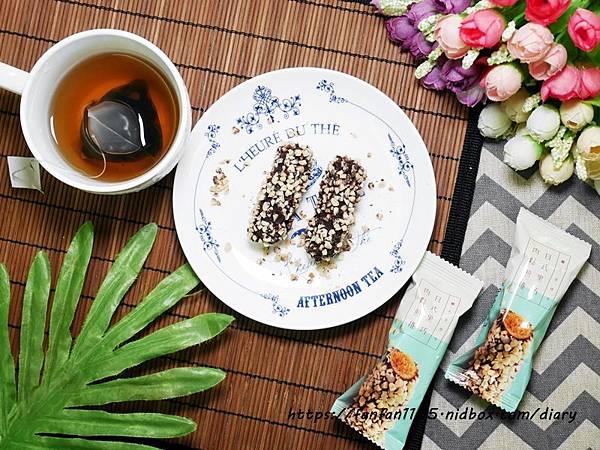 【自然主意】酷覓星 日式黑巧肉鬆煎捲 鹹甜多層次口感 營養又美味 #伴手禮推薦 (8).JPG