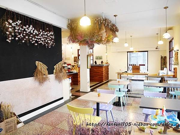 【宜蘭美食】慢漫窩飲食堂 #平價美食 #咖啡 #鬆餅 #早午餐 #乾燥花 享受慢步調的放鬆時光 (7).JPG