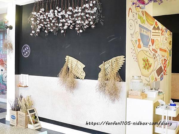 【宜蘭美食】慢漫窩飲食堂 #平價美食 #咖啡 #鬆餅 #早午餐 #乾燥花 享受慢步調的放鬆時光 (10).JPG