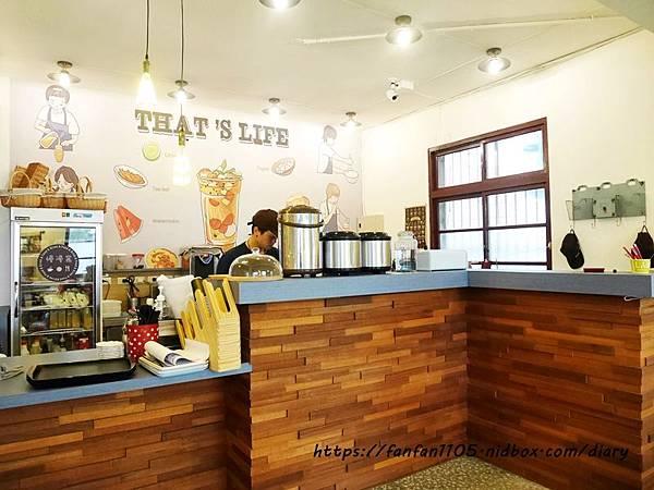 【宜蘭美食】慢漫窩飲食堂 #平價美食 #咖啡 #鬆餅 #早午餐 #乾燥花 享受慢步調的放鬆時光 (8).JPG