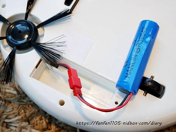 HANLIN-ESD1 USB充電吸塵掃地機 999元 吸塵、掃地、拖地等三合一 #小資族的福音  #高CP值 #掃地機 (16).JPG