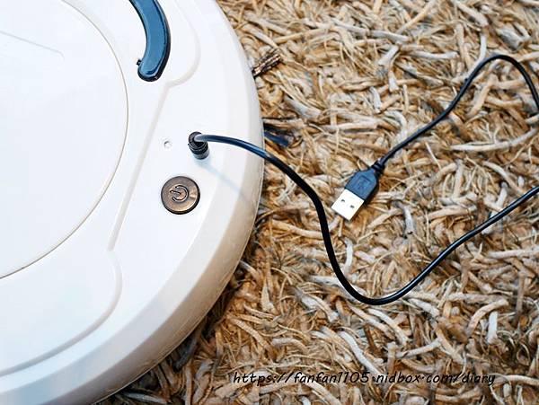 HANLIN-ESD1 USB充電吸塵掃地機 999元 吸塵、掃地、拖地等三合一 #小資族的福音  #高CP值 #掃地機 (18).JPG