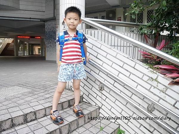 【impact 怡寶】兒童護脊書包 Cuty sugar 彩糖系列 #輕量護脊書包 #護脊書包 (9).JPG