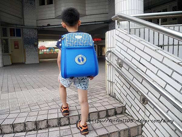 【impact 怡寶】兒童護脊書包 Cuty sugar 彩糖系列 #輕量護脊書包 #護脊書包 (10).JPG