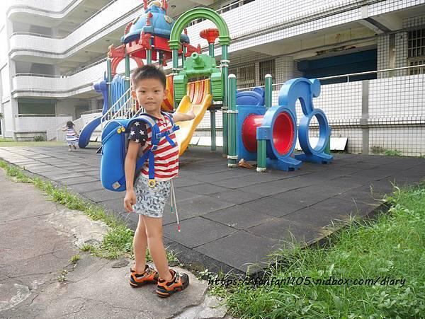 【impact 怡寶】兒童護脊書包 Cuty sugar 彩糖系列 #輕量護脊書包 #護脊書包 (13).JPG