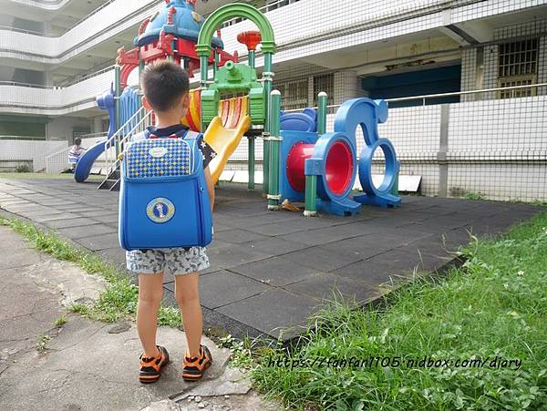 【impact 怡寶】兒童護脊書包 Cuty sugar 彩糖系列 #輕量護脊書包 #護脊書包 (12).JPG