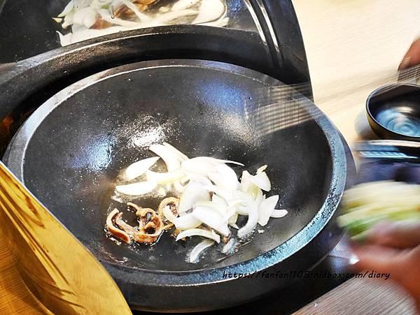 【松山火鍋】肉多多火鍋 #台灣火鍋第一品牌 #套餐只要$299 #自助吧無限供應 #後山埤站 (9).JPG