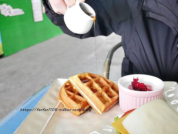 【宜蘭景點】可達羊場 #餵小動物 #羊奶冰淇淋DIY #羊奶下午茶 #宜蘭員山 #宜蘭親子景點 (34).JPG