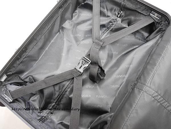 【FUNWORLD】20吋鑽石系列鋁框行李箱-尊爵黑 #360度萬向飛機輪 #2年破箱換新 #終身免費維修 (10).JPG