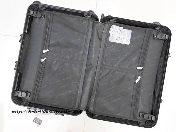 【FUNWORLD】20吋鑽石系列鋁框行李箱-尊爵黑 #360度萬向飛機輪 #2年破箱換新 #終身免費維修 (8).JPG