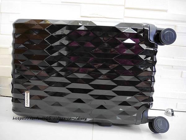 【FUNWORLD】20吋鑽石系列鋁框行李箱-尊爵黑 #360度萬向飛機輪 #2年破箱換新 #終身免費維修 (7).JPG
