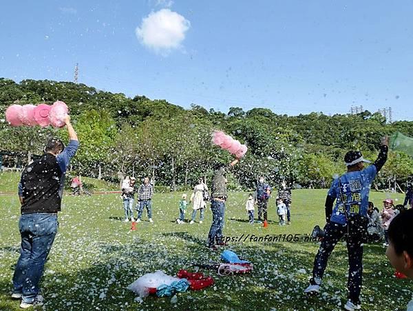 【泡泡奇蹟】泡泡達人許日榮 #無毒泡泡 #泡泡表演 #泡泡派對 沉浸於泡泡中的歡樂時光 (12).JPG