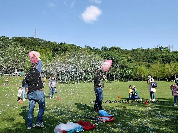 【泡泡奇蹟】泡泡達人許日榮 #無毒泡泡 #泡泡表演 #泡泡派對 沉浸於泡泡中的歡樂時光 (11).JPG