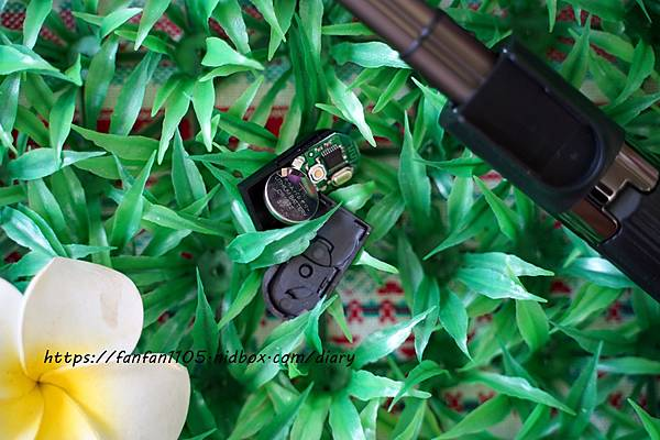 【Yomix】多功能美顏藍牙補光自拍棒 #補光自拍直播架 #美肌補光燈 #3種補模式 #五段式支架 #輕巧便攜 補光、白拍、直播一次滿足 (8).JPG