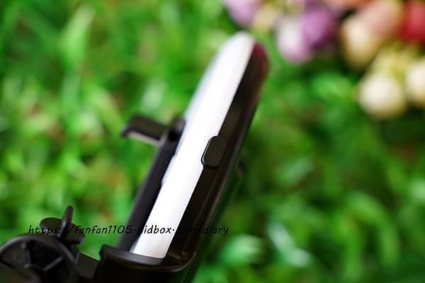 【Yomix】多功能美顏藍牙補光自拍棒 #補光自拍直播架 #美肌補光燈 #3種補模式 #五段式支架 #輕巧便攜 補光、白拍、直播一次滿足 (10).JPG