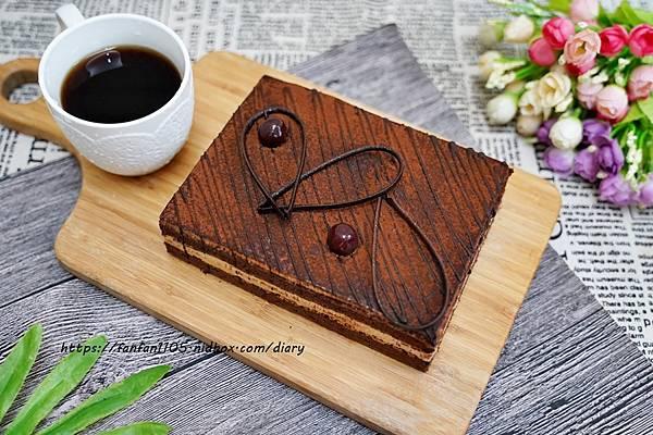 宅配美食【櫻桃爺爺】#沙哈蛋糕 #德式芒果乳酪塔 #72% 香醇巧克力 #下午茶 #甜點 #蛋糕 (5).JPG