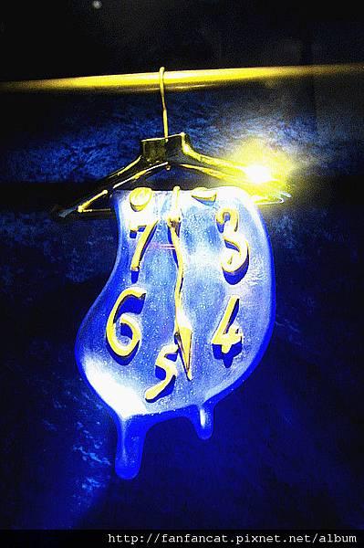 衣架上的軟鐘