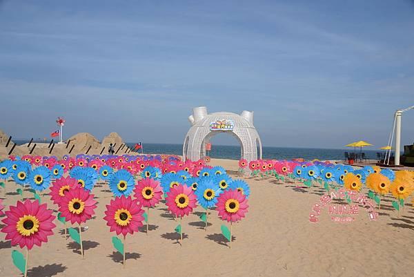 這樣的佈置讓沙灘多了悠閒的氛圍.JPG