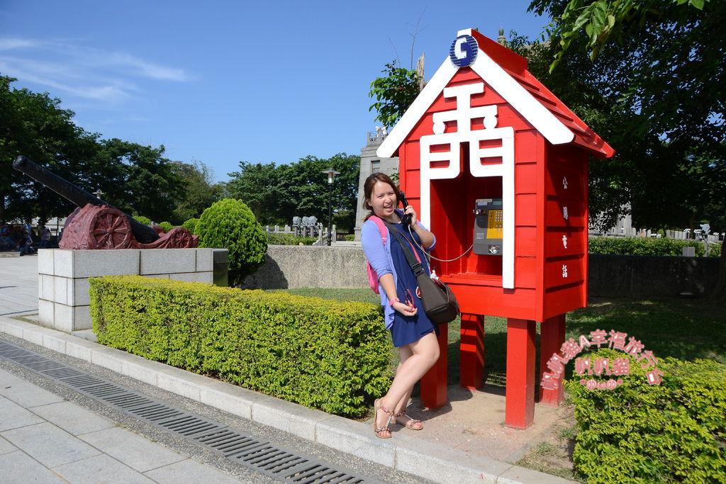 金門的造型電話亭是許多民眾拍照打卡的景點.JPG