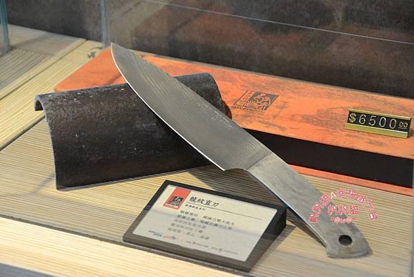 作工精細的鋼刀也是一種收藏.JPG