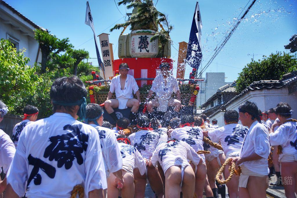 篠栗祇園祭 日版潑水節 穿著丁字褲扛山車的熱血祭典