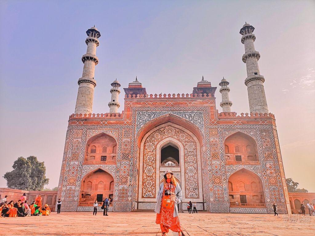 【印度 阿格拉】希金達拉Sikandra 阿克巴大帝陵寢 夕陽餘暉中閃耀的印度古建築
