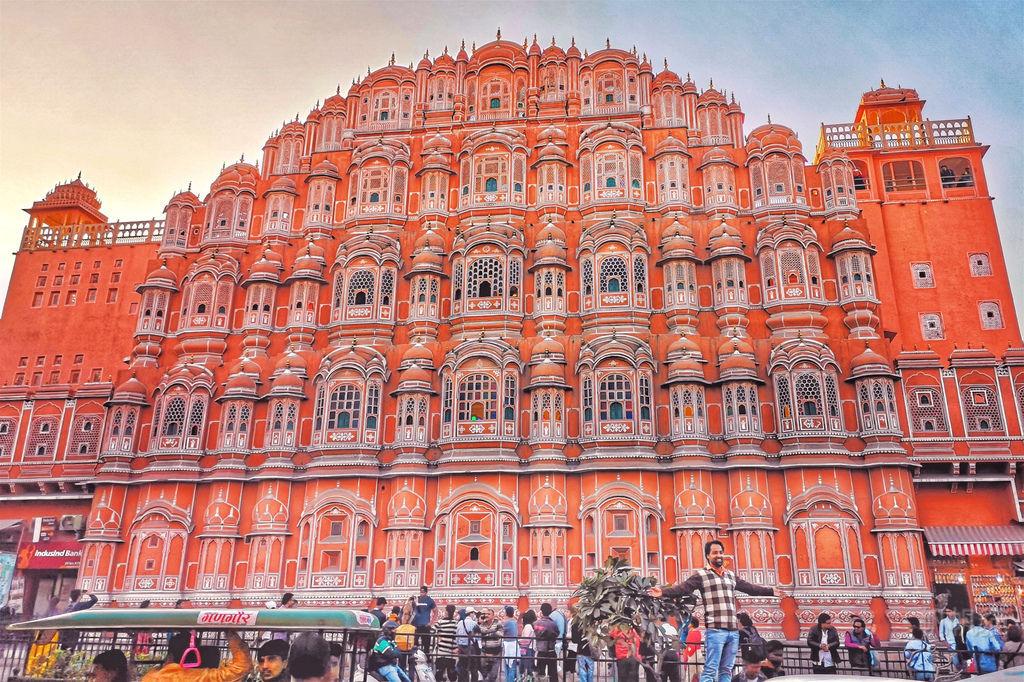 【印度 齋浦爾】崔波萊市集 風之宮殿 像大型的粉紅色風琴 超美IG打卡點