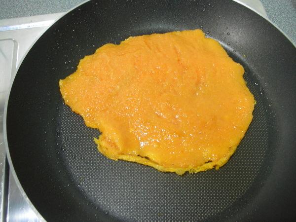 地瓜餅之5翻面.jpg