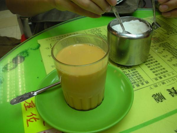 新源茶餐廳之不加糖就喝不下去.JPG