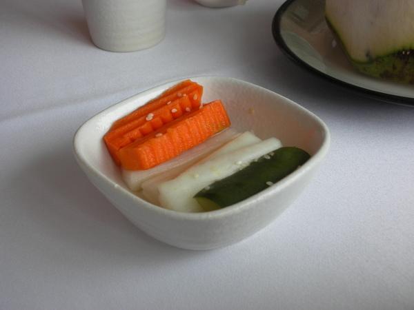 金牛苑好吃的醃菜.JPG