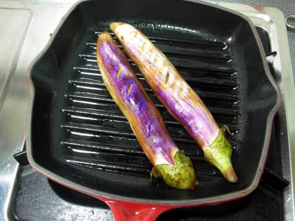 茄子田樂燒之4 皮也要烤喔.JPG