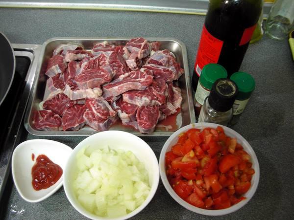 匈牙利牛肉之1 材料.JPG