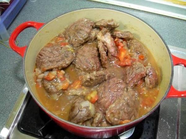 匈牙利牛肉之9 下牛肉.JPG