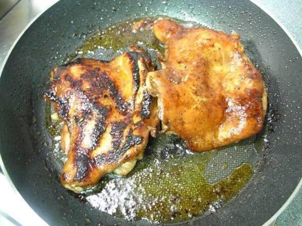 醬烤雞腿排之6 皮燒焦.JPG